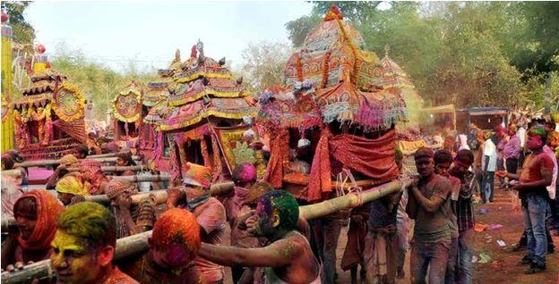 Holi in Odisha - Backpackers group