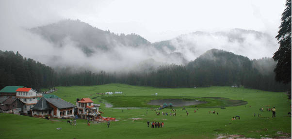 khajjair-lakeside-camping-the-backpackers-group