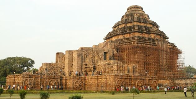 Konark Temple - Sun temple - Odisha - Backpackers group