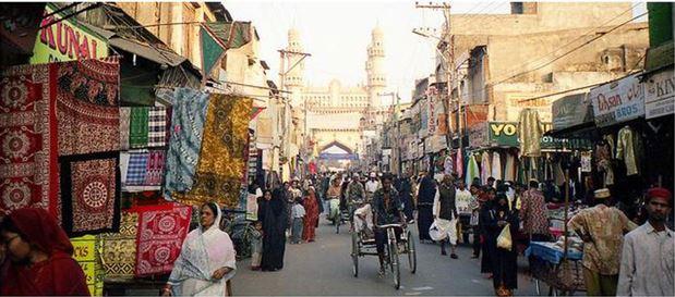 laad-bazar-backpackers-group - Indian Flea Market