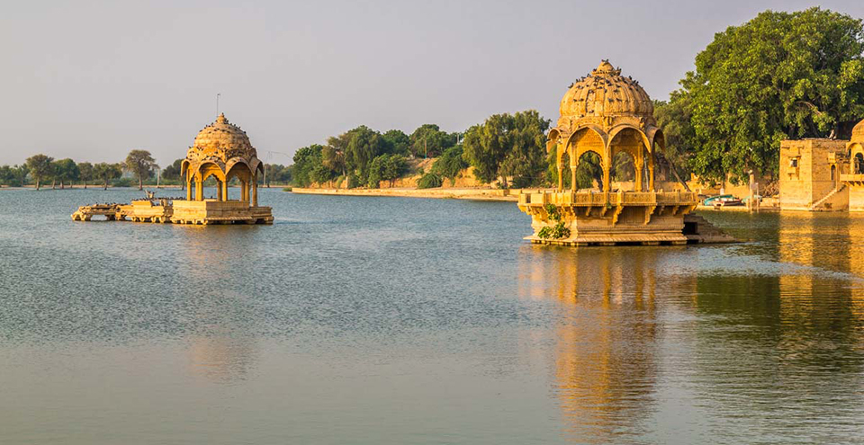 gadisar lake - jaisalmer the golden city of rajasthan - the backpackers group