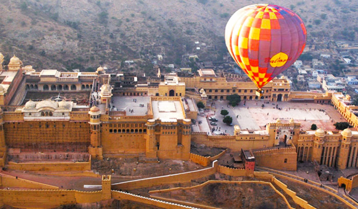 Hot air ballooning - Jaipur - Destinations for adventure lovers in India - The Backpackers Group