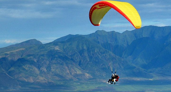 Paragliding - Manali - Destinations for adventure lovers in India - The Backpackers Group