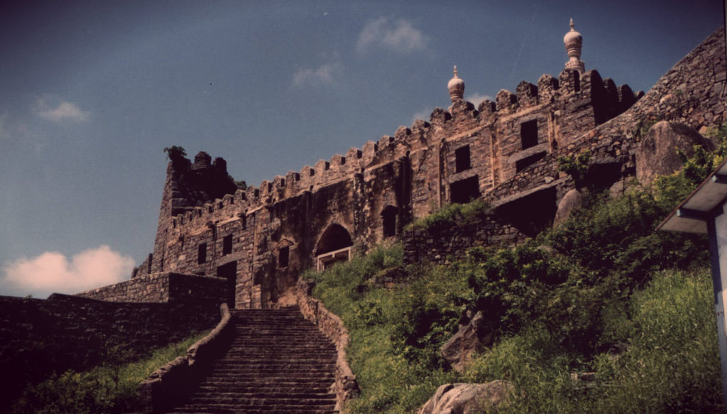 Golkonda Fort - Aao Kabhi Haveli Pe - The Backpackers Group