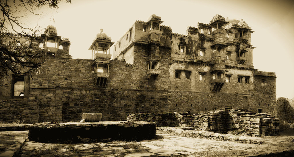 Rana Kumbha Palace - Aao Kabhi Haveli Pe - The Backpackers Group