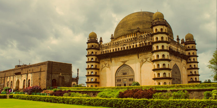 Gol Gumbaz - Acoustic Marvels Of India - The Backpackers Group