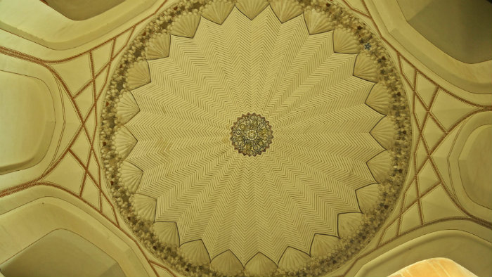 Humayun's Tomb - Ceiling Architecture - Delhi - The Backpackers Group