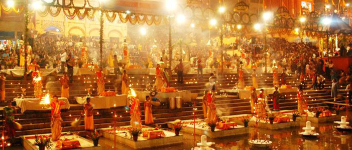 Varanasi - Ganga Aarti - Manikarnika Ghat - The Backpackers Group
