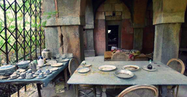 Malcha Mahal - Dining table - Delhi - India Travel - The Backpackers Group