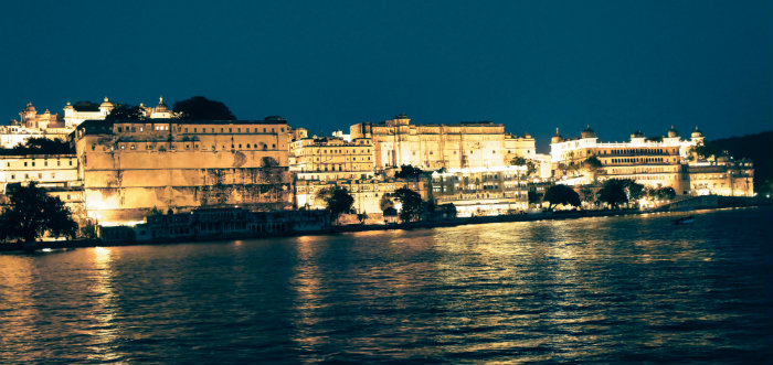Udaipur - The Legend Of Pichola Lake - Udaipur City Palace - The Backpackers Group