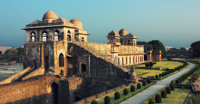 Mandu - Jahaz Mahal - Madhya Pradesh - The Backpackers Group V1