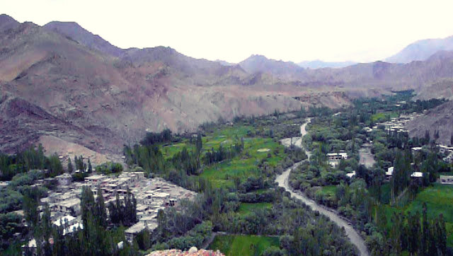 Village - Chiktan Fort - Kargil - Jammu Kashmir - Leh Ladakh - The Backpackers Group