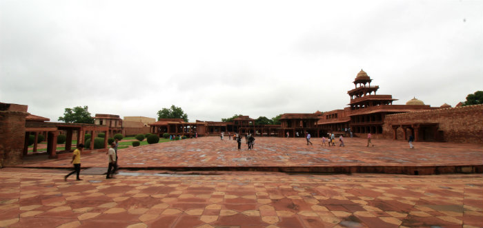 Fatehpur Sikri - The Abandoned Capital of Akbar - Agra - The Backpackers Group