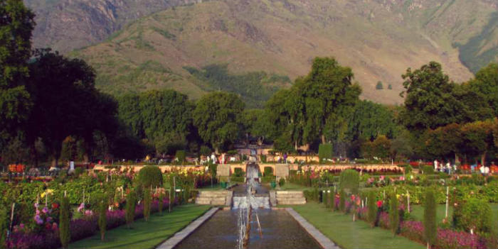 Shalimar Garden - The Earthly Paradise - Nishat Bagh - Srinagar - The Backpackers Group.