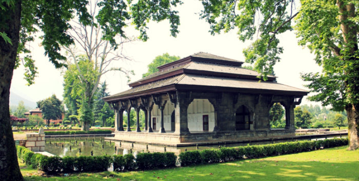 Shalimar Garden - The Earthly Paradise - Pavilion - Srinagar - The Backpackers Group
