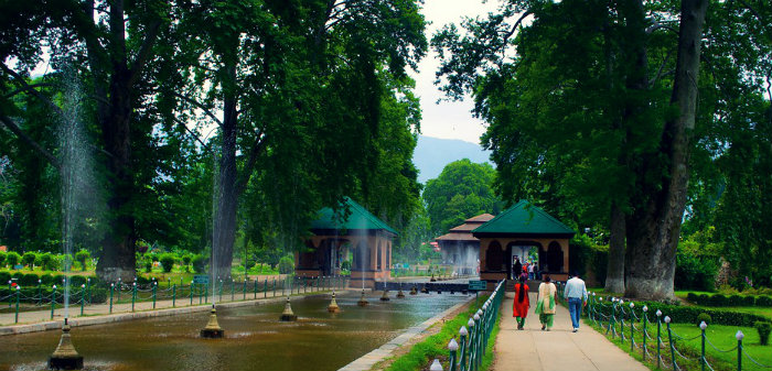 Shalimar Garden - The Earthly Paradise - Srinagar - The Backpackers Group.